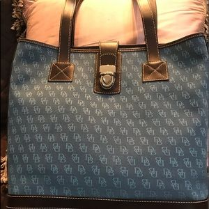 NWOT Dooney Bourke medium shopper Blue